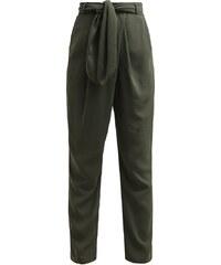 The Fifth Label ABOVE & BEYOND Pantalon classique khaki