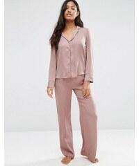 ASOS - Newton - Pyjama-Set aus Jacquard-Satin mit Punkten und weitem Bein - Beige