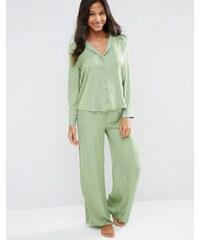 ASOS - Newton - Pyjama-Set aus Jacquard-Satin mit Punkten und weitem Bein - Grün