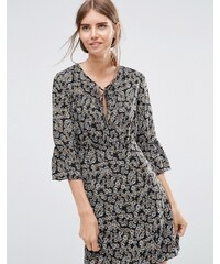 Love & Lies - Swing Me Around - Robe avec manches à volants - Noir
