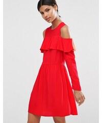 ASOS - Robe courte à épaules dénudées et volants - Rouge