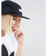 adidas Originals - Casquette de camionneur griffée avec empiècement et bride arrière - Noir