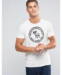 Abercrombie & Fitch - Schmales T-Shirt mit Elchlogo und runder Stickerei - Weiß