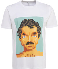 Very Important Pixels 'Magnum' T-Shirt in Weiß