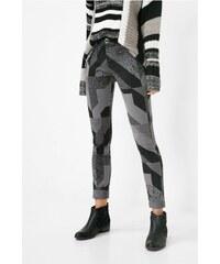 Desigual vzorované kalhoty Tere Rep
