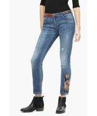 Desigual modré džíny Lina s barevnými motivy