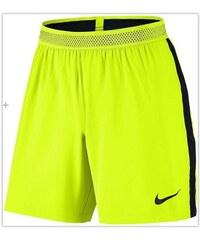 NIKE2 Kraťasy Nike Flex Strike S ŽLUTÁ