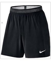 NIKE2 Kraťasy Nike Flex Strike L ČERNÁ