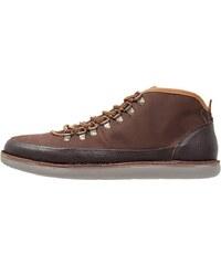 Cobbled by Northern Cobbler BILLFISH Chaussures à lacets dark brown
