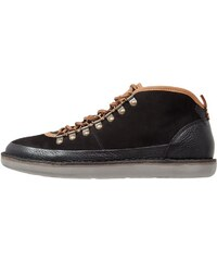 Cobbled by Northern Cobbler BILLFISH Chaussures à lacets black