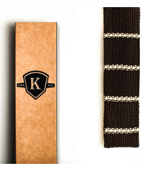 Kavalier's Tmavě hnědá pletená kravata s vanilkovými proužky