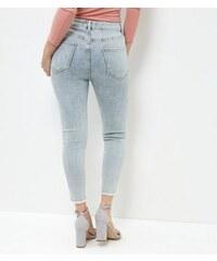 New Look Petite – Graue Skinny-Jeans mit Fransensaum