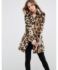 Glamorous - Mantel aus Kunstpelz mit großem Leopardenmuster und Schalkragen - Braun