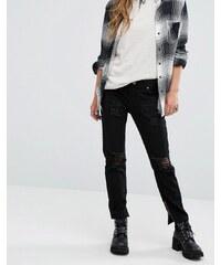 Lira - Mom-Jeans mit hohem Bund und Distressing - Schwarz