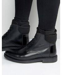 ASOS - Bottes à lacets en cuir avec bordure en néoprène - Noir - Noir