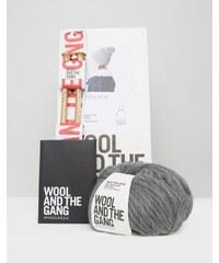 Wool and the Gang Wool & The Gang - DIY Zion Lion - Set für eine Bommelmütze - Grau