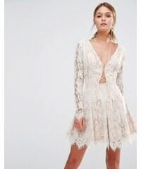 Stylestalker - Langärmliges Minikleid aus Spitze - Weiß