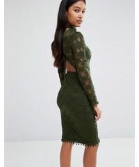 Rare London - Robe moulante en dentelle avec dos ouvert et encolure montante - Vert