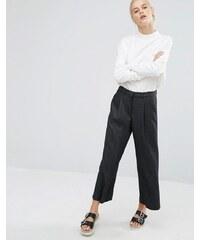 Monki - Hose mit weitem Bein und kurzem Schnitt - Grau