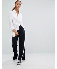 Pull&Bear - Pantalon large fendu avec bande sur le côté - Bleu