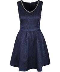 Tmavě modré vzorované šaty s ozdobným výstřihem Mela London