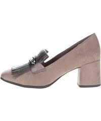 Šedé boty na podpatku v semišové úpravě s ozdobou Tamaris