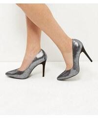 New Look Silberfarbene, spitze Heels mit V-förmigem Schaftausschnitt, Weite H