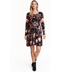 H&M MAMA Žerzejové šaty