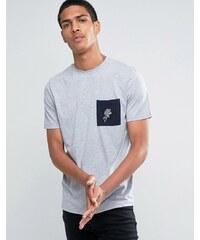 Hoxton Denim - T-shirt avec manches contrastantes et poche à motif rose - Bleu