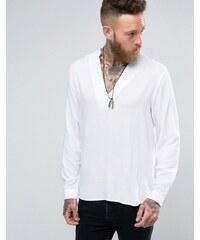 ASOS White - Viskose-Hemd mit V-Ausschnitt in regulärer Passform - Weiß