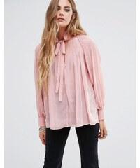 Glamorous - Blouse à manches longues plissée avec lien sur le cou - Rose