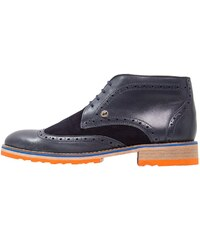 A fish named fred Chaussures à lacets navy