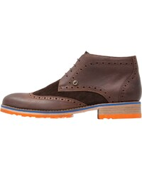 A fish named fred Chaussures à lacets dark brown