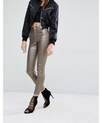 Missguided - Vice - Enge Jeans mit hohem Bund in Metallic-Optik - Gold