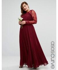 ASOS CURVE WEDDING - Plissiertes Maxikleid mit hübschem Spitzenbesatz - Rot