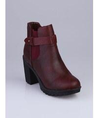 Venca Kotníkové boty na podpatku červená