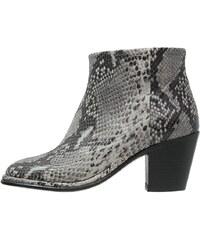 Fred de la Bretoniere Ankle Boot light grey