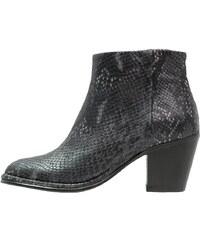 Fred de la Bretoniere Ankle Boot black