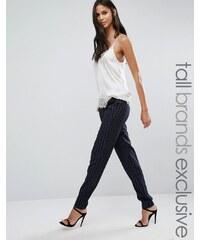 Y.A.S Tall - Taya - Pantalon ajusté à fines rayures - Bleu marine