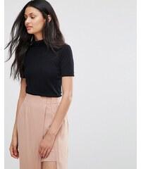 Lavand - T-shirt en maille à encolure montante et manches courtes - Noir