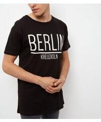 """New Look Schwarzes, lang geschnittenes T-Shirt mit """"Berlin""""-Aufdruck"""