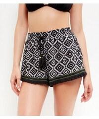 New Look Shorts mit schwarzem Aztekenmuster