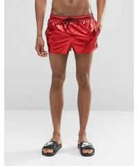 ASOS - Short de bain super court - Rouge métallisé - Rouge