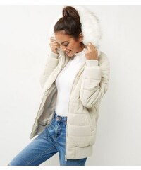 New Look Cremeweiße, gesteppte Daunenjacke mit Kunstfellbesatz an der Kapuze