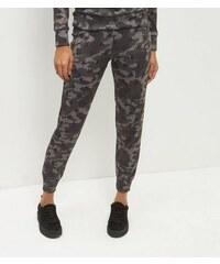 New Look Grüne Jogginghose mit Camouflage-Muster