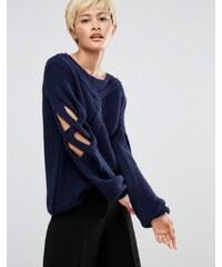 Oneon - Pull tricoté main avec manches torsadées ajourées à effet croisillons - Bleu