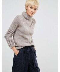 Oneon - Pull col roulé tricoté main avec détails effet échelle - Beige