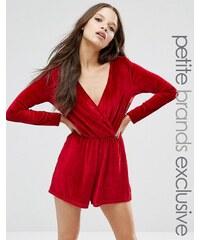 Glamorous Petite - Combishort cache-cœur en velours à manches longues - Rouge
