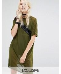 Story Of Lola - Geschnürtes T-Shirt-Kleid aus Netz - Grün