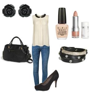 Outfit Schwarz-Beige von Kim Klein